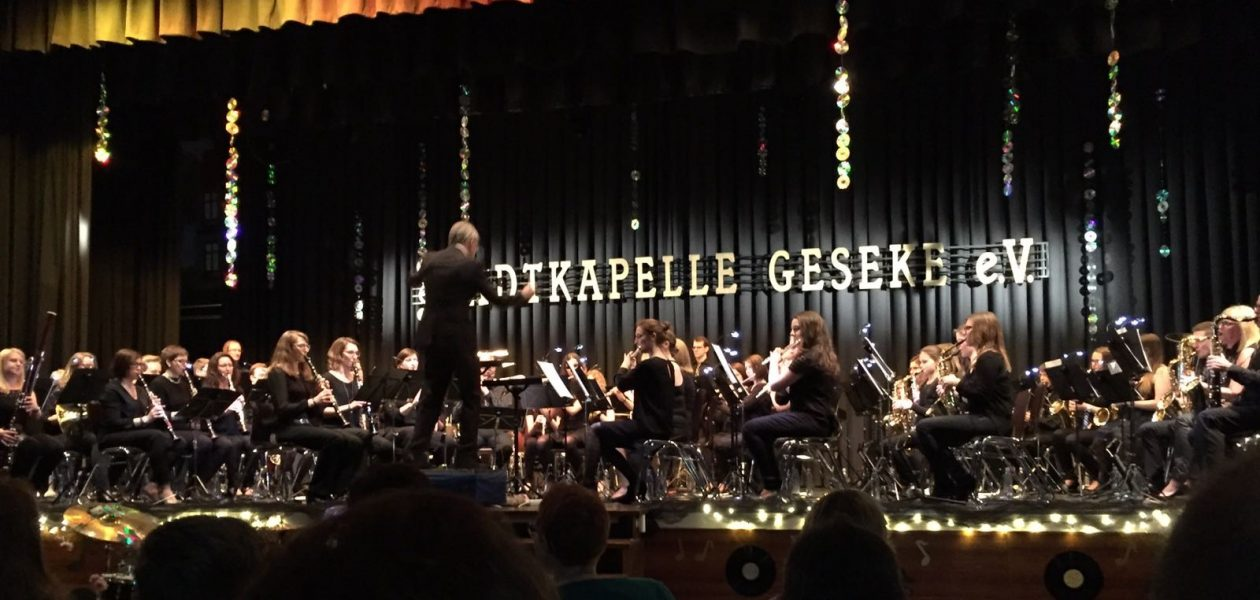 Satter Bigband-Sound – Stadtkapelle liefert beim Jubiläumskonzert beste Unterhaltung